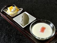杏仁豆腐、マンゴープリン、黒胡麻アイス
